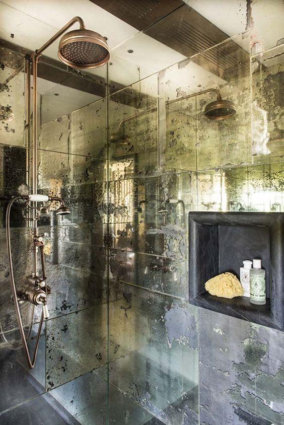 Verblasste Spiegel Duschwande Machen Es Raffiniert Und Kupfer