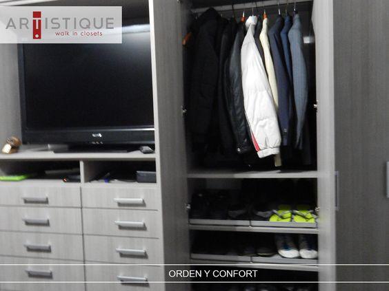 Compartimos una foto de otro de los closets que instalamos en la Ciudad de México...! Creamos espacios más confortables y ordenados para nuestros clientes....!