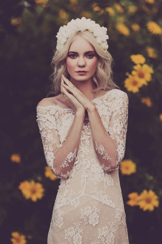 Robe de mariée bohème - Robe: La Sposa 2015 - Photo: Swoon Weddings - Hair and make up: Abbey Love #bridaldress #bohemianbride #weddingdress