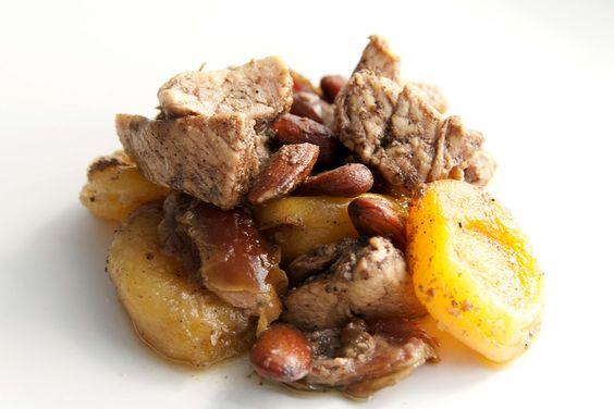 Paleo tajine de pollo con albariques. Receta típica marroquí adaptada a la dieta paleo. Sin gluten, sin azúcar y sin lactosa. Apta para celíacos.