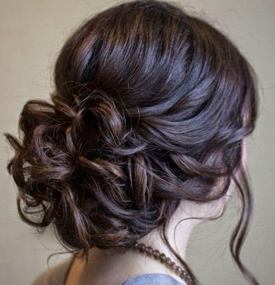 Penteados de festa para casamentos à noite e durante o dia - Madrinhas de…