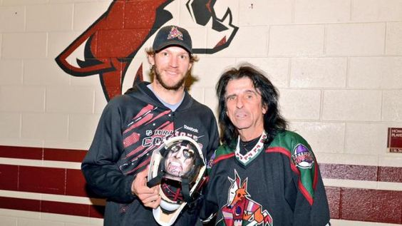 Arizona Coyotes Throwback Night (Mike Smith with Alice Cooper)