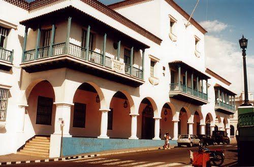 Antiguo Ayuntamiento Santiago de Cuba (35mm.)