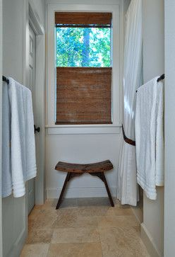 Simple natural beauty a perfect bathroom window treatment - Best blinds for bathroom privacy ...