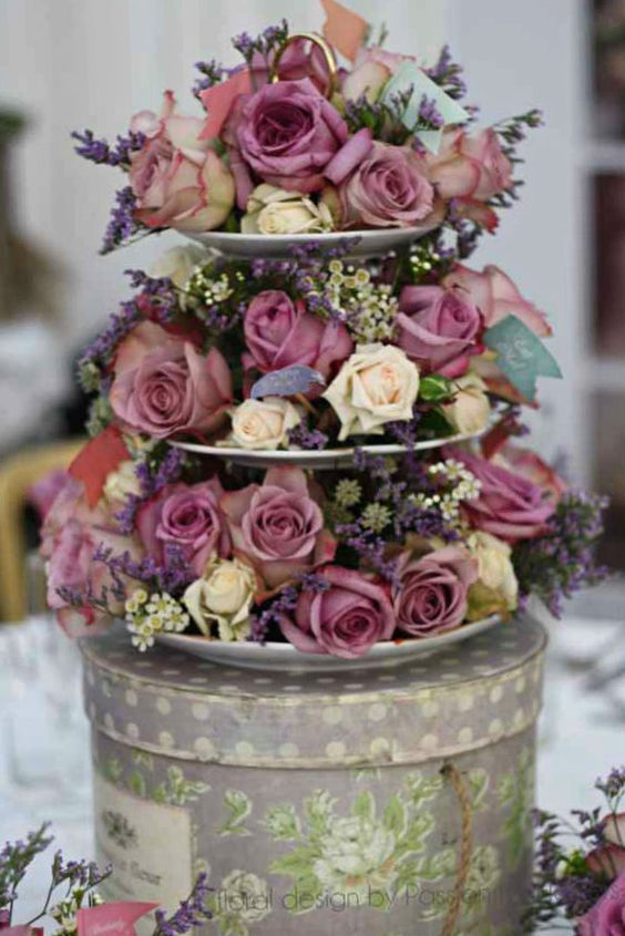 Florals♥ Centerpiece ... pink #country rose wedding ... Wedding ideas for brides, grooms, parents & planners ... https://itunes.apple.com/us/app/the-gold-wedding-planner/id498112599?ls=1=8 … plus how to organise an entire wedding ♥ The Gold Wedding Planner iPhone App ♥