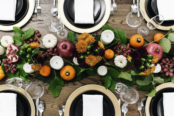 Festive thanksgiving tablescape, fall colors