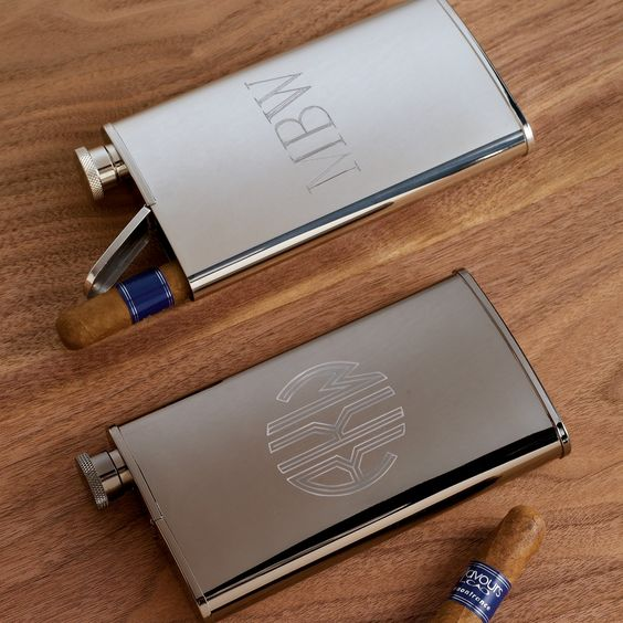 Stainless Steel Flask and Cigar Holder | #exclusivelyweddings | #groomsmengifts