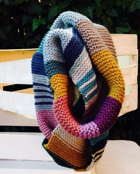 BUFANDA DOBLE tejida con restos de lana::