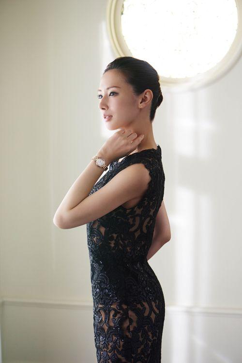 黒の透けてるドレスの北川景子