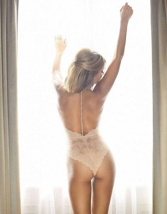 """""""Oh darling... I've got nothing to wear....""""  Sylvie Meis zet Londen op stelten in lingerie - JFK"""