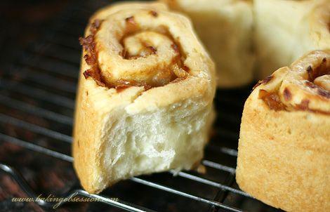 Pull-Apart Buttermilk-Onion Rolls (piece)