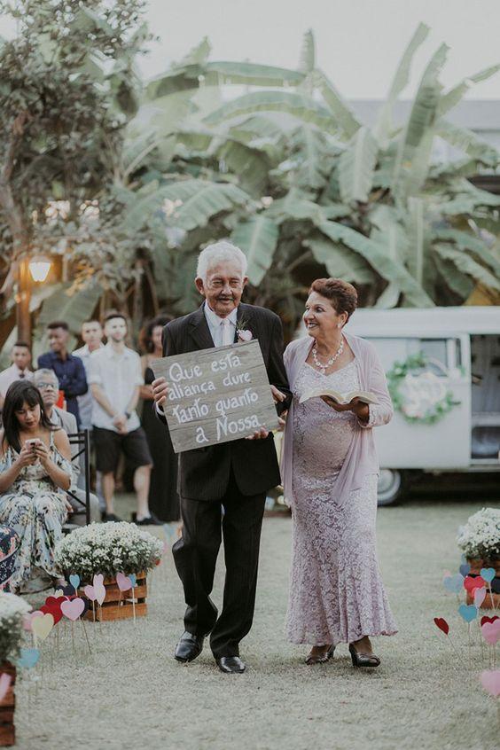 BEL ORNELAS - Avós como porta alianças - Casamento DIY - Foto: Emotion Fotografia