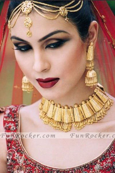 http://www.funrocker.com/blog/wp-content/uploads/2010/04/Bridal-FunRocker.Com-07.jpg