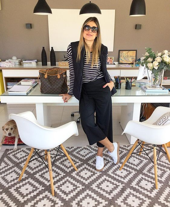 "Polubienia: 2,245, komentarze: 29 – Fernanda Pontelo (@fepontelo) na Instagramie: ""S p o r t y 👟 #bomdia #goodmorning #ootd #sporty #style #jeans #nike #nikecortez #outfitoftheday…"""