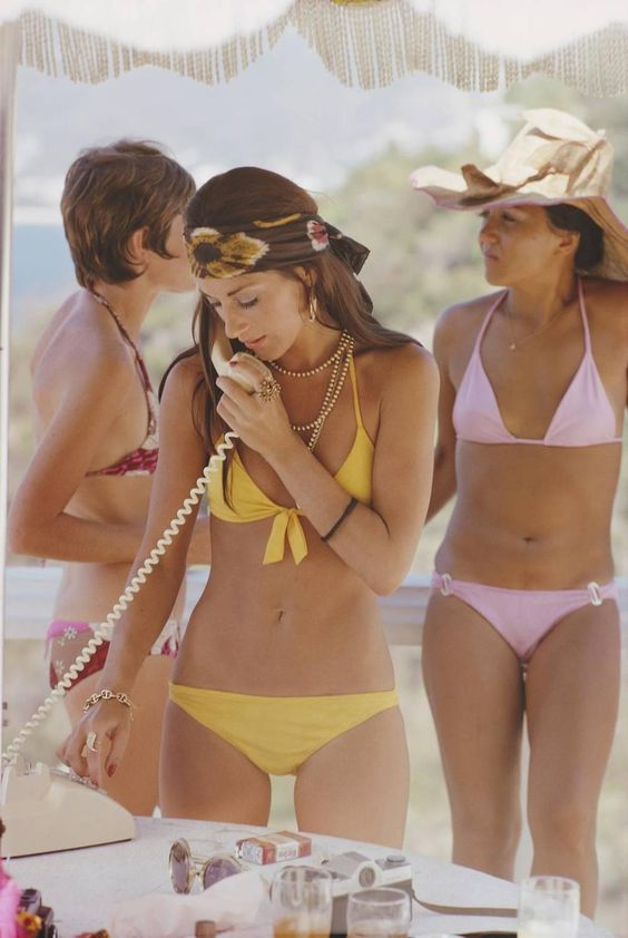 Slim Aarons - 'Social Call' Acapulco  (Archival Pigment Print) | 1stdibs.com: