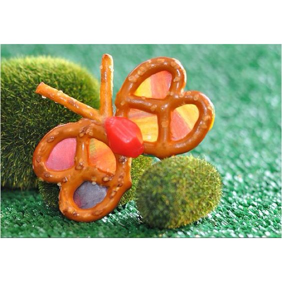 Butterfly pretzels. One day I will make these!!!
