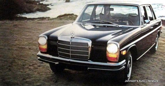 Mercedes benz 1971 220 220d 250 250 coupe brochure w for 1971 mercedes benz 220