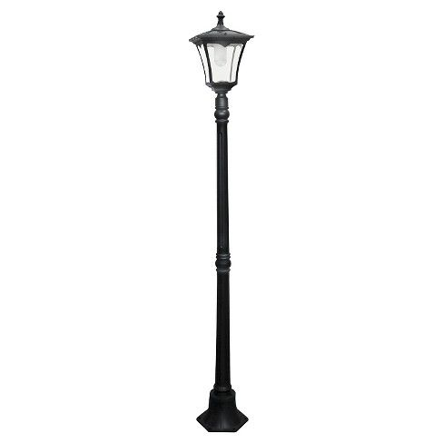 An Old Fashioned Street Lamp Design
