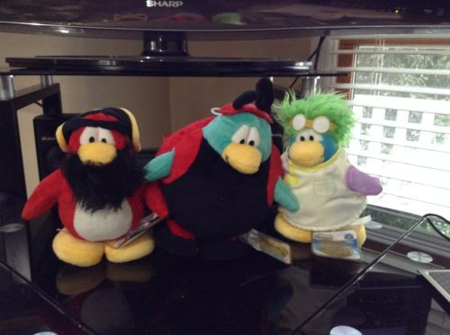 3-Disney-Club-Penguin-Plush-With-Sealed-Codes