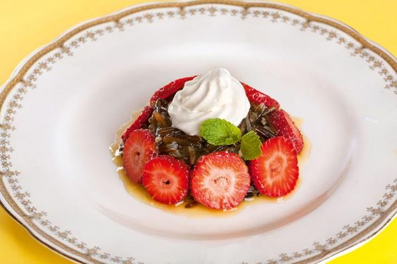 Arroz Selvagem, Morangos e Chantilly/ Savage rice, Strawberries and whipping cream