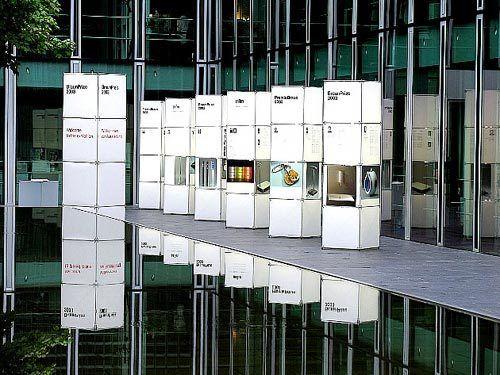 Ausstellungssysteme | constructiv CLIC | Burkhardt Leitner. Check it out on Architonic