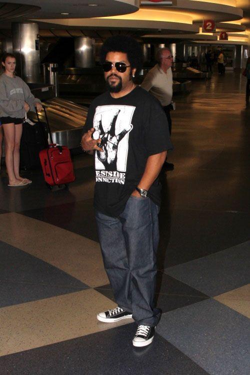 Snoop dogg wearing converse - photo#25
