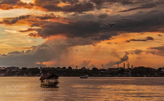 Inspire 1 in action - Pinned by Mak Khalaf Volando sobre la tormenta y el sunset que nos regala Iquitos Travel Department of Loretoadventureamazonamazonascloudsdjidronegreeniquitosjungleperuriverselvasunsettravelwater by alfredorebaza