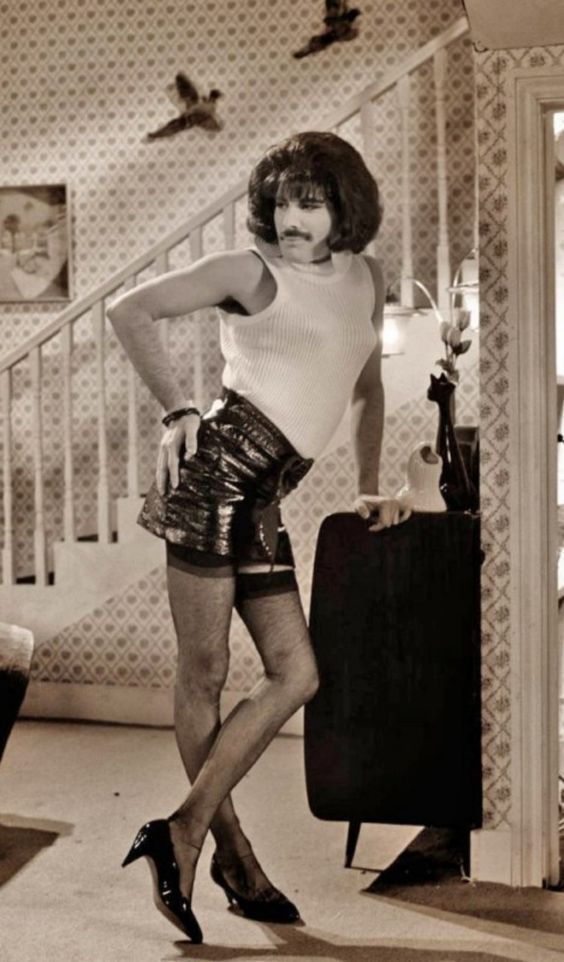 Freddie Mercury could rock a pair of heels better than I ever will! :) I love, love this :)