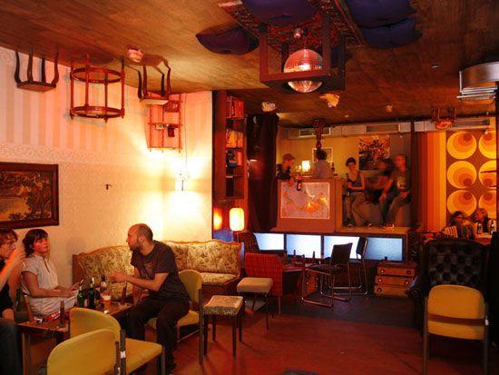 Madame-Claude-bar-Berlin Cafe Pinterest
