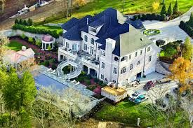 Kelly Clarkson -Tennessee. I am in love with that balcony overlooking the pool and the curved stairway.
