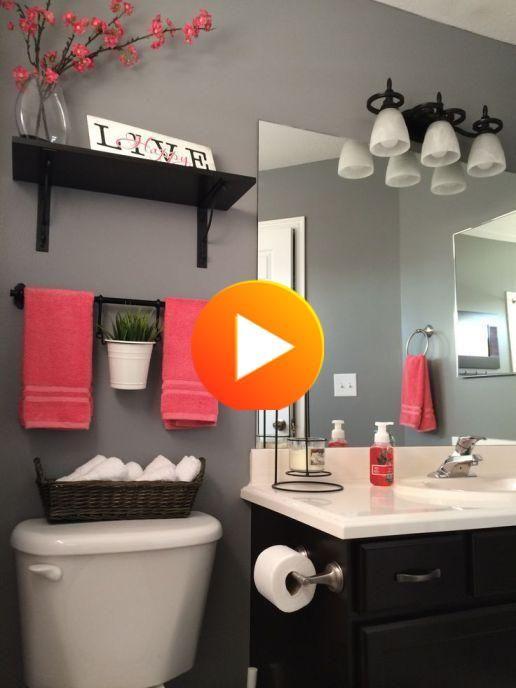 3 Conseils Donner Du Style A Une Petite Salle De Bains Restroom Decor Bathroom Decor Apartment Red Bathroom Decor White black bathroom decorating ideas