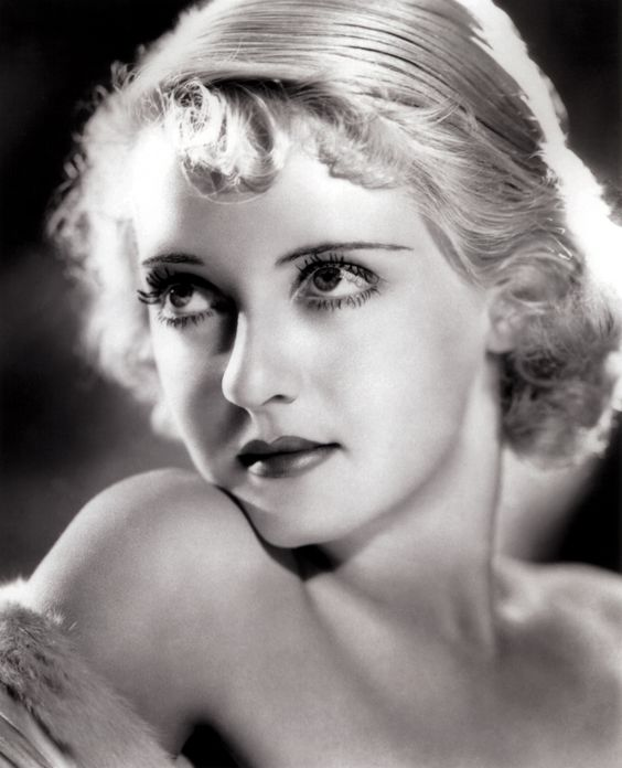 Bette Davies | Romantic Gamine? Perhaps with some Ingenue.                                                                                                                                                      Más