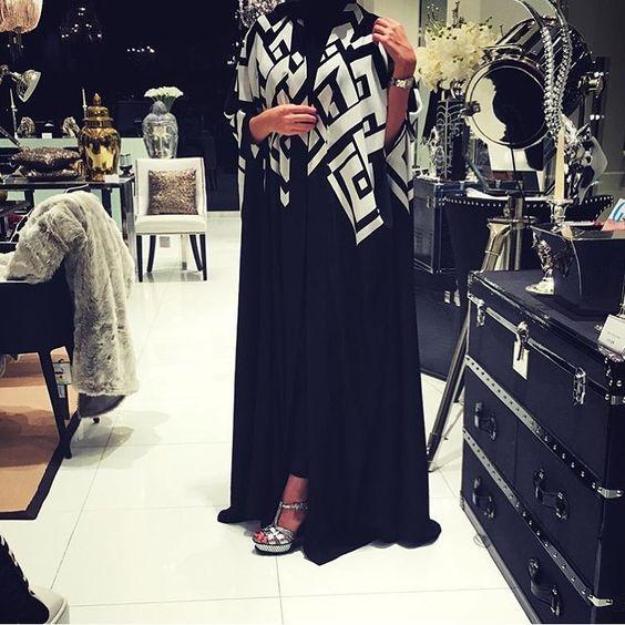 IG: SadieMCollection    IG: Beautiifulinblack    Modern Abaya Fashion   