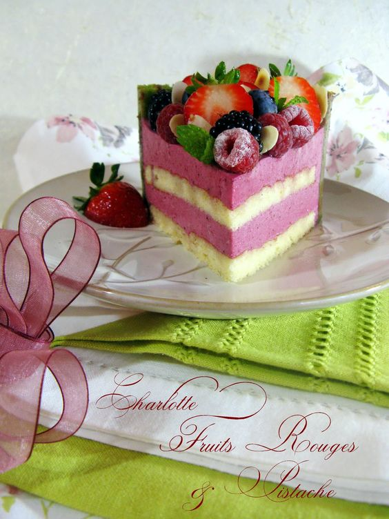 charlotte+fruits+rouges+&+pistache8.jpg (1200×1600)