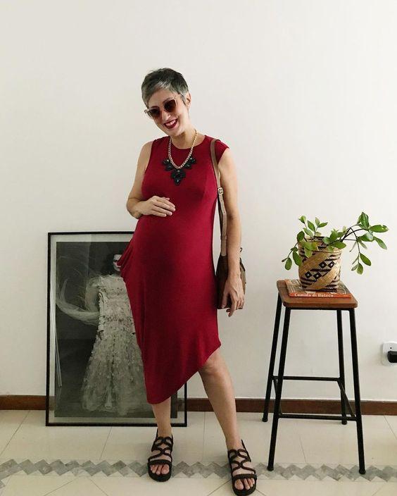 """Ana Soares no Instagram: """"Guarda roupa compartilhado para gestantes ⚡️ Estou na fase que desanima comprar roupa nova, já que as roupas que funcionavam até semana…"""""""