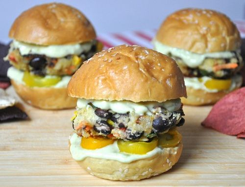 Salsa Verde Sliders with Avocado Mayo.   Oh man these look good!    From the Healthy Haven Blog