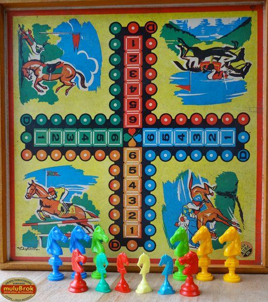 jeu piste de jeux de l 39 oie et de chevaux sur dans la salle de jeux. Black Bedroom Furniture Sets. Home Design Ideas