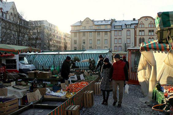 Wochenmarkt auf dem Offenbacher Wilhelmsplatz.