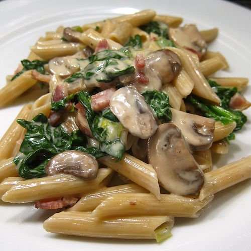 Penne with creamy spinach, mushrooms and bacon for two ...