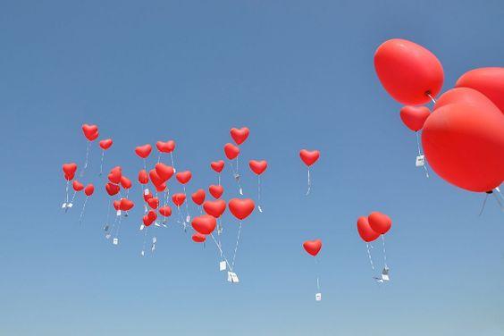 Ballonkarten Zur Hochzeit Gestalten Und Allen Gasten Viel Freude Bereiten In 2020 Luftballons Hochzeit Heliumballons Hochzeit