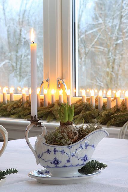 Christmas hyacinth - classic blue white gravy boat with clip-on Candle holder.  Repinned by www.mygrowingtraditions.com Not a bad idea... but love the gravy boat for gravy too!