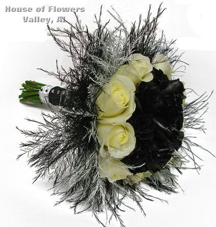 Prom Bouquet, black and white roses | Festive Prom Flowers ...