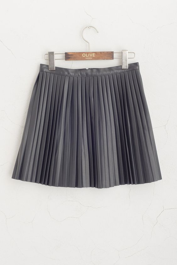 pleated mini skirt by olive clothing