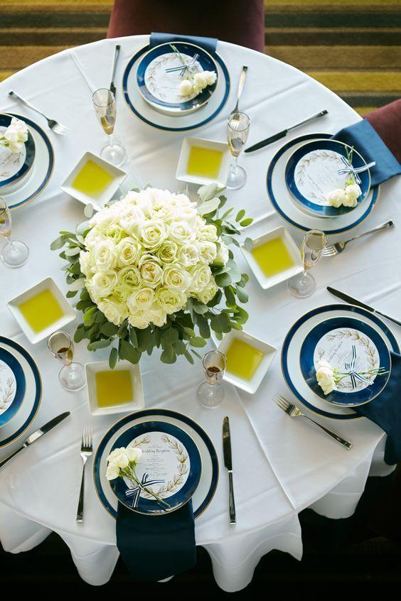 支払額 100万円上がるって本当 見れば得する 賢い見積もりの貰い方 総まとめ にて紹介している画像 披露宴 テーブルコーディネート テーブルコーディネート 結婚式 ウェディング テーブルコーディネート