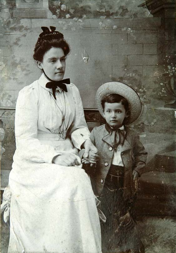 An overview of the child rearing in the victorian times