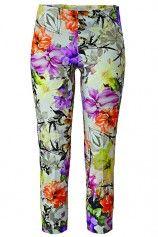 Wir holen uns den Frühling in den Kleiderschrank mit diesen schönen Blumenhosen!