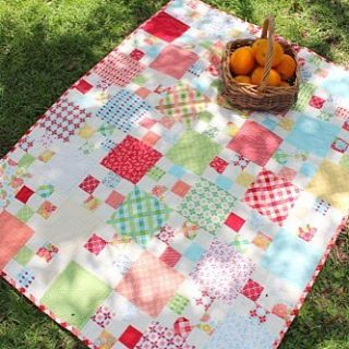 Summerfest makes the perfect summer quilt! Chef Trish Poolson shares an easy chain quilt that you can whip up in time for lemonade and cookies on the lawn this weekend: http://bit.ly/1swiivf @trish.poolson @amrosenthal #summerfestfabric #showmethemoda #modabakeshop