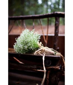 i am in love with baby's breath these days <3