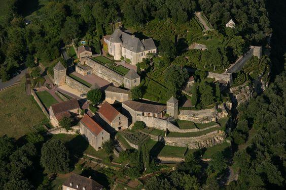 http://www.chateau-fort-manoir-chateau.eu/chateau-de-marqueyssac-dordogne_e.jpg