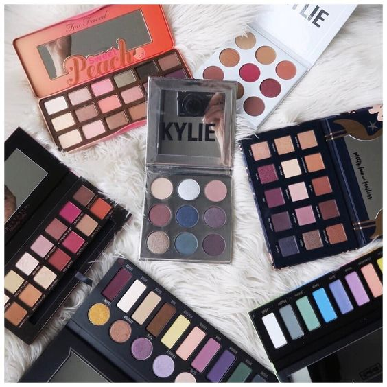 Guys help! which palettes should I use first for tutorials?! I want to use them all soon (I just filmed with the Kylie bronze palette so that's up next) but don't know which you want to see most? comment below your requests! even let me know what kind of colors or looks you want! feeling so motivated right now and can't wait to play Kylie holiday and burgundy palettes Kat Von D pastel goth and metal matte Too Faced sweet peach ABH modern renaissance and the Ciate Chloe Morello palette…